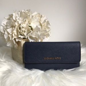 NWT Michael Kors large trifold wallet PRICE FIRM